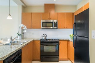 Photo 2: 209 511 ROCHESTER Avenue in Coquitlam: Coquitlam West Condo for sale : MLS®# R2083634