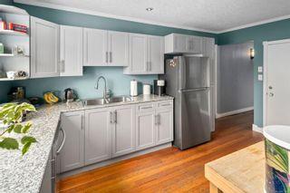 Photo 8: 1713/1715 Fernwood Rd in : Vi Fernwood House for sale (Victoria)  : MLS®# 871097