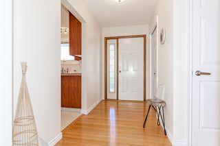 Photo 3: 9213 162 Street in Edmonton: Zone 22 House for sale : MLS®# E4264714