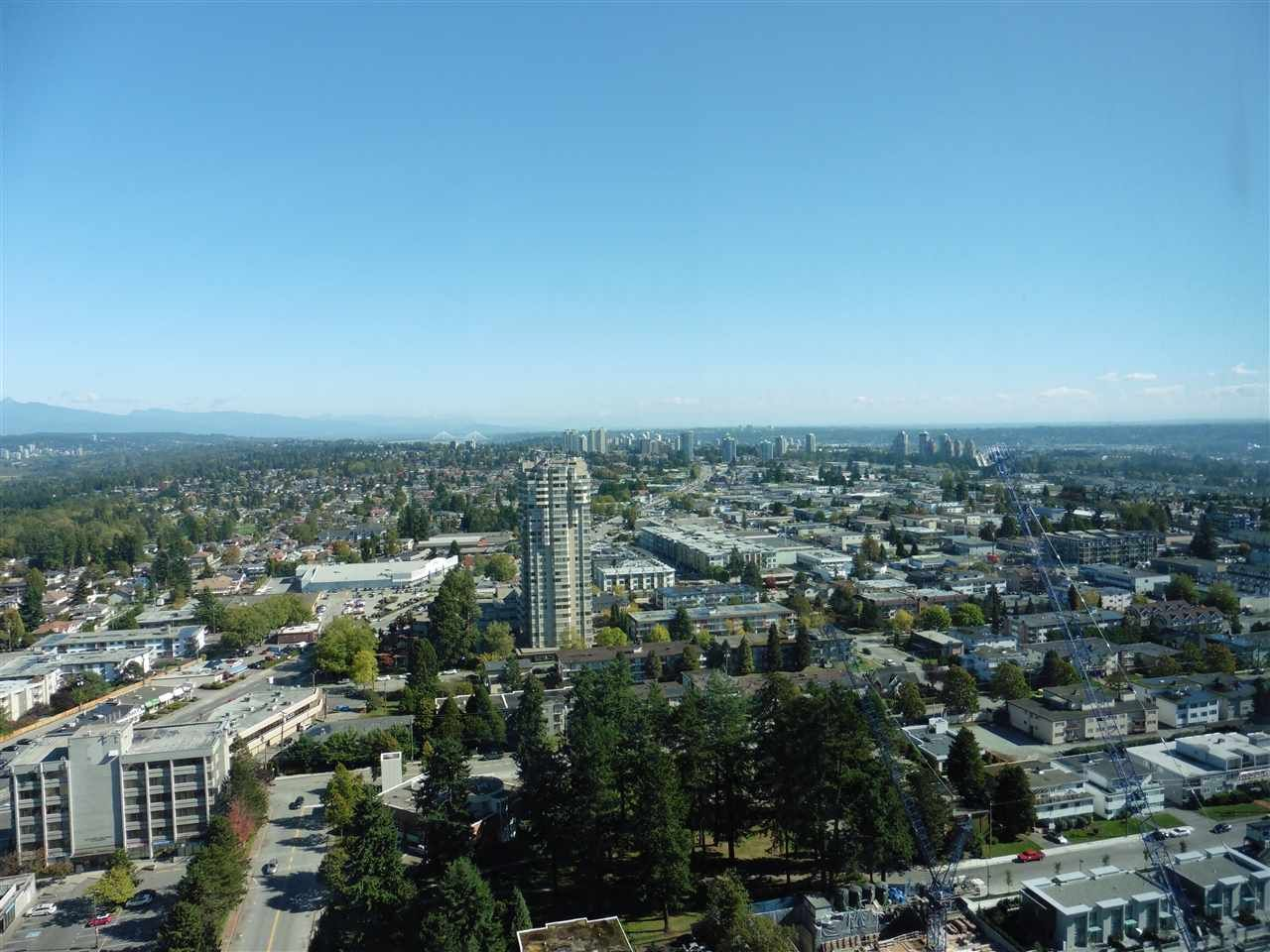 """Photo 12: Photos: 3702 4880 BENNETT Street in Burnaby: Metrotown Condo for sale in """"CHANCELLOR"""" (Burnaby South)  : MLS®# R2006395"""