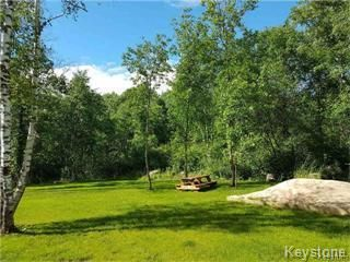 Photo 1: 20 SUNSET Bay in St Clements: Sunset Beach Residential for sale (R27)  : MLS®# 1809174
