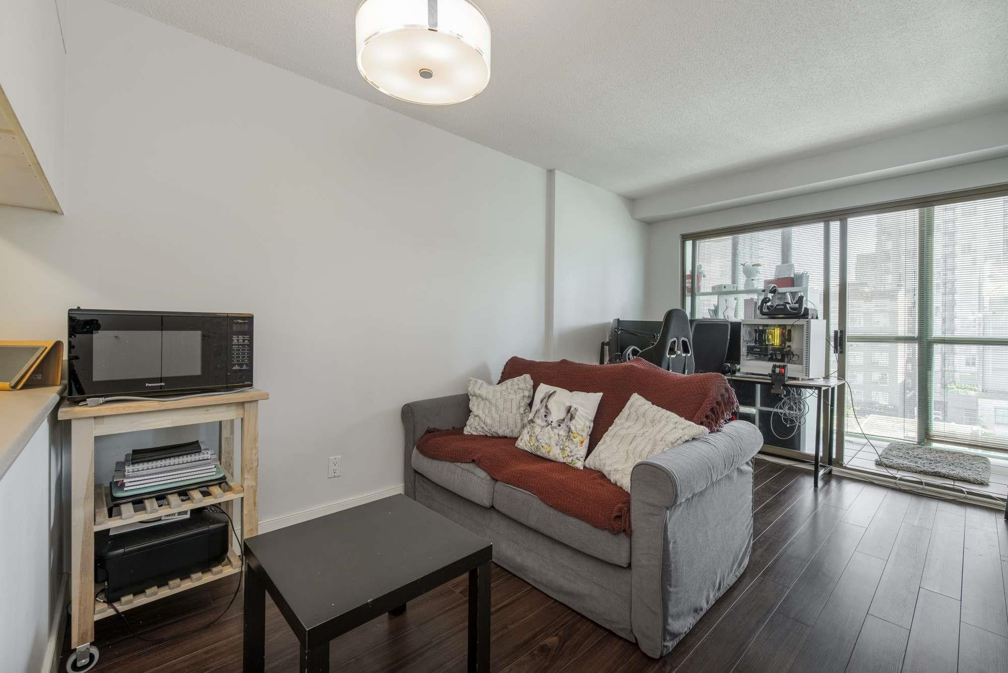 """Main Photo: 505 1188 HOWE Street in Vancouver: Downtown VW Condo for sale in """"1188 HOWE"""" (Vancouver West)  : MLS®# R2607018"""