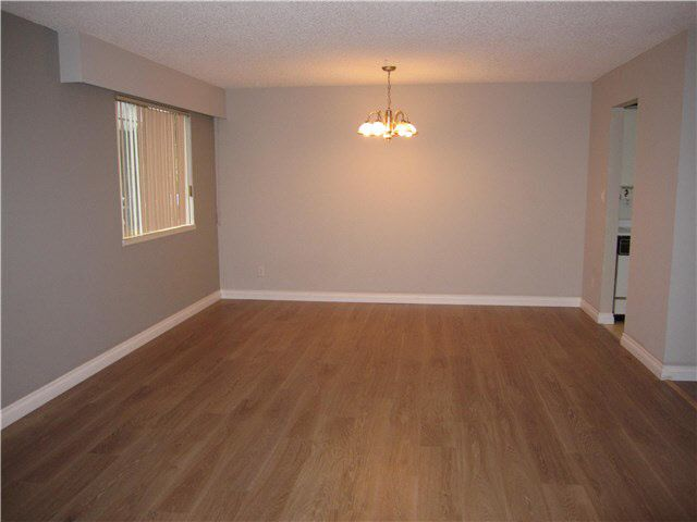 """Photo 2: Photos: 101 12096 222ND Street in Maple Ridge: West Central Condo for sale in """"CANUCK PLACE"""" : MLS®# V1138870"""