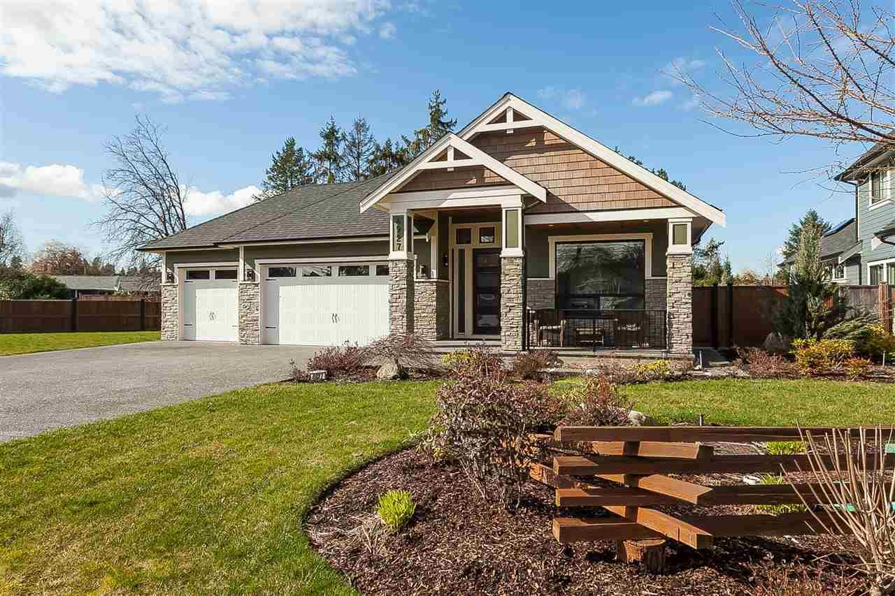 Main Photo: 4927 215 Street in Langley: Murrayville House for sale : MLS®# R2443426