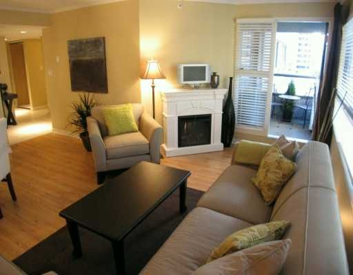 """Photo 3: Photos: 1060 ALBERNI Street in Vancouver: West End VW Condo for sale in """"THE CARLYLE"""" (Vancouver West)  : MLS®# V620523"""