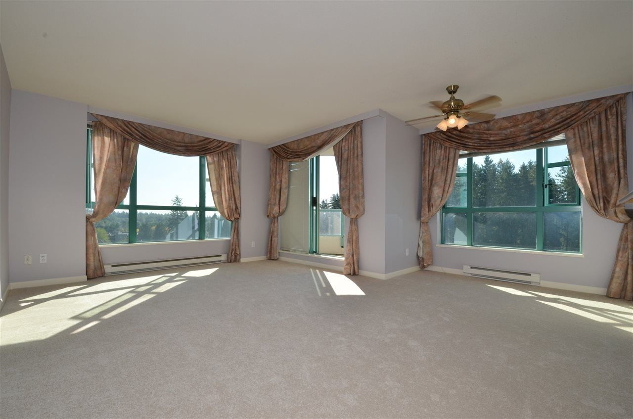 """Photo 4: Photos: 904 3071 GLEN Drive in Coquitlam: North Coquitlam Condo for sale in """"PARC LAURENT"""" : MLS®# V1143282"""