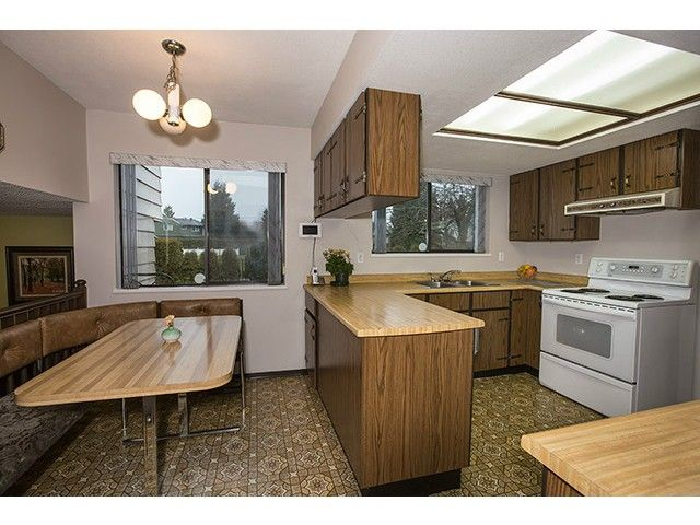 """Photo 7: Photos: 9725 155A Street in Surrey: Guildford House for sale in """"BRIARWOOD"""" (North Surrey)  : MLS®# F1430730"""