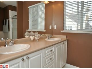 """Photo 7: 34 17097 64TH Avenue in Surrey: Cloverdale BC Townhouse for sale in """"Kentucky"""" (Cloverdale)  : MLS®# F1100822"""