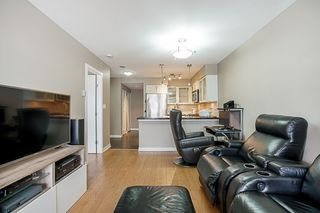 """Photo 9: 808 1 RENAISSANCE Square in New Westminster: Quay Condo for sale in """"THE 'Q'"""" : MLS®# R2521364"""