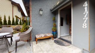 Photo 2: 41778 GOVERNMENT Road in Squamish: Brackendale 1/2 Duplex for sale : MLS®# R2546754