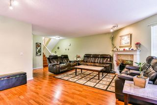 """Photo 4: 47 7875 122 Street in Surrey: West Newton Townhouse for sale in """"The Georgian"""" : MLS®# R2234862"""
