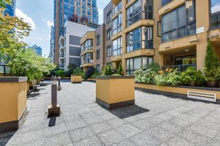 """Photo 26: 906 488 HELMCKEN Street in Vancouver: Yaletown Condo for sale in """"Robinson Tower"""" (Vancouver West)  : MLS®# R2086319"""