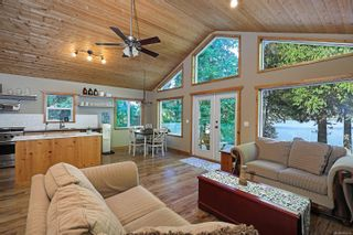 Photo 11: 2582 East Side Rd in : PQ Qualicum North House for sale (Parksville/Qualicum)  : MLS®# 859214