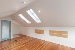 Photo 12: 2203 E 2ND AVENUE in Vancouver: Grandview VE House for sale (Vancouver East)  : MLS®# R2240985