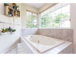 Photo 12: 1307 CAMELLIA Court in Port Moody: Mountain Meadows House for sale : MLS®# R2380794