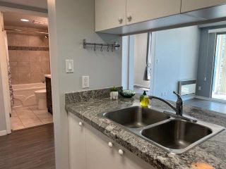 """Photo 9: 1406 1188 HOWE Street in Vancouver: Downtown VW Condo for sale in """"1188 HOWE"""" (Vancouver West)  : MLS®# R2600220"""
