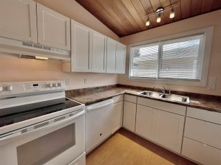 Photo 5: 8907 162 Street in Edmonton: Zone 22 House for sale : MLS®# E4243515