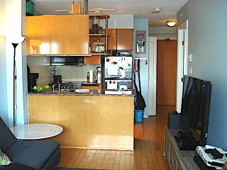 """Photo 5: 1105 1189 HOWE Street in Vancouver: Downtown VW Condo for sale in """"Genisis"""" (Vancouver West)  : MLS®# R2416331"""