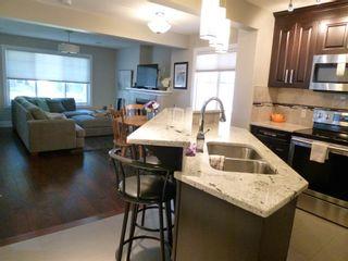 Photo 5: 10914 71 Avenue in Edmonton: Zone 15 House Half Duplex for sale : MLS®# E4246605