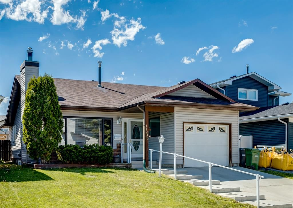 Main Photo: 11235 27 Street SW in Calgary: Cedarbrae Detached for sale : MLS®# A1114953