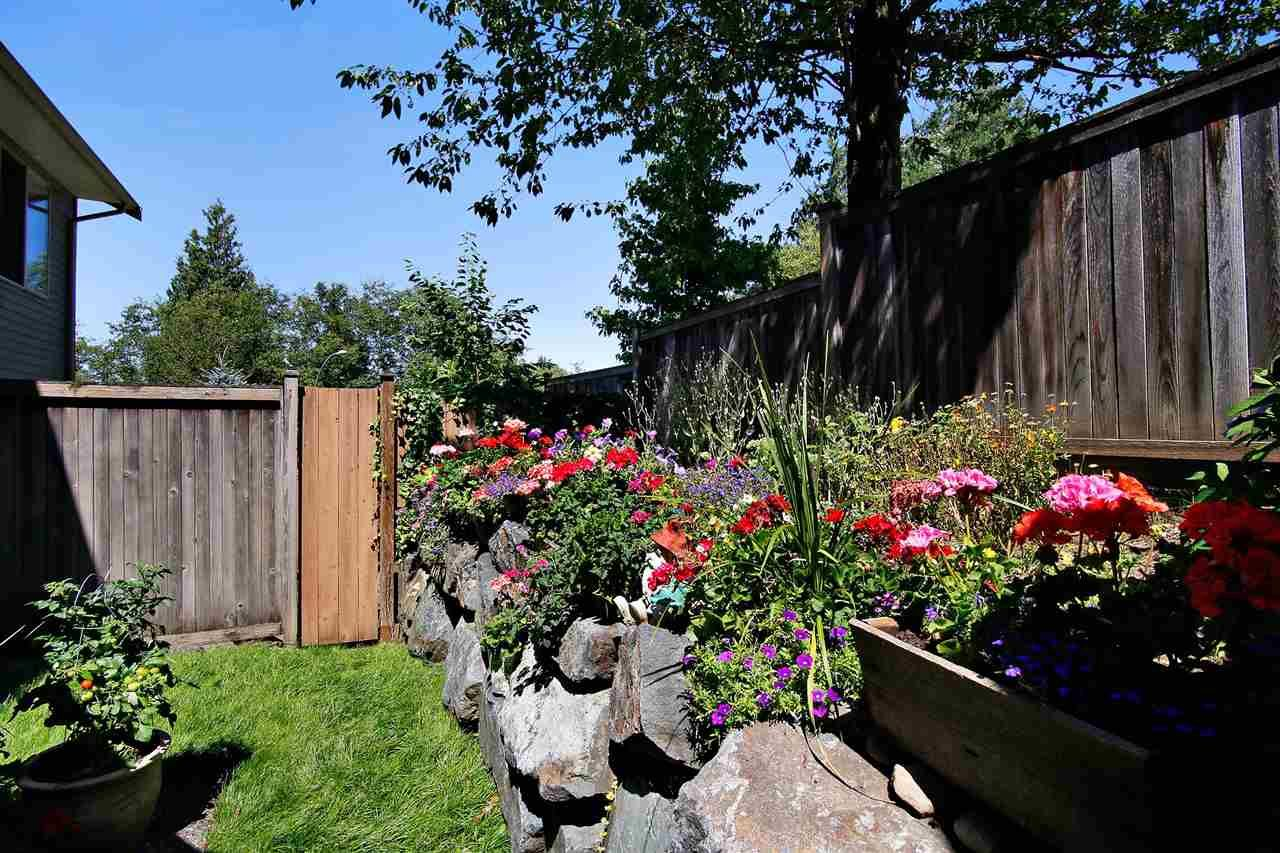 """Photo 16: Photos: 2 46840 RUSSELL Road in Sardis: Promontory Townhouse for sale in """"TIMBER RIDGE"""" : MLS®# R2197387"""