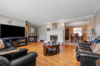 Photo 4: 980 WINSLOW Avenue in Coquitlam: Central Coquitlam House for sale : MLS®# R2589870