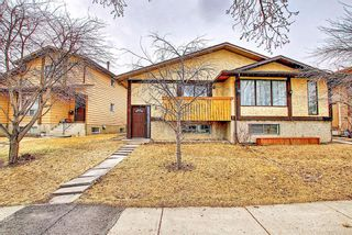 Photo 2: 1137 Berkley Drive NW in Calgary: Beddington Heights Semi Detached for sale : MLS®# A1136717