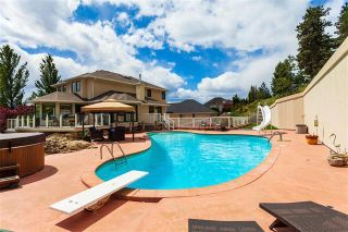 Photo 6: 2276 Lillooet Crescent, in Kelowna: House for sale : MLS®# 10232249