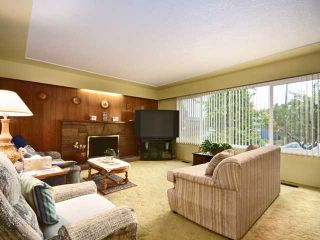 Photo 2: 325 E WOODSTOCK Avenue in Vancouver: Main House for sale (Vancouver East)  : MLS®# V976720