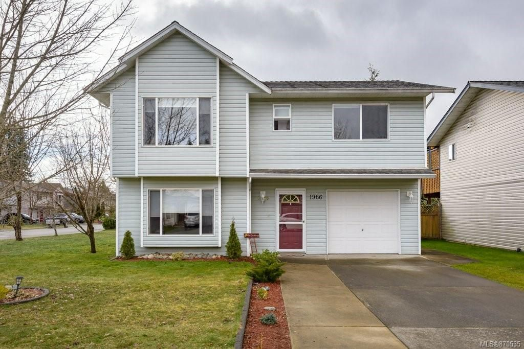 Main Photo: 1966 13th St in : CV Courtenay West House for sale (Comox Valley)  : MLS®# 870535