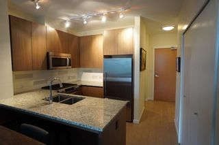 Photo 2: 502 135 W 2ND Street in North Vancouver: Lower Lonsdale Condo for sale : MLS®# R2180749