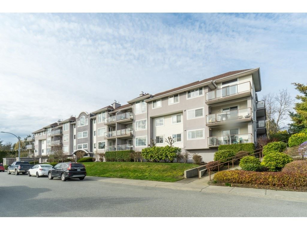 """Main Photo: 312 33599 2ND Avenue in Mission: Mission BC Condo for sale in """"Stave Lake Landing"""" : MLS®# R2441146"""