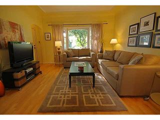 """Photo 2: 4016 GLEN Drive in Vancouver: Knight House for sale in """"Cedar Cottage"""" (Vancouver East)  : MLS®# V948696"""