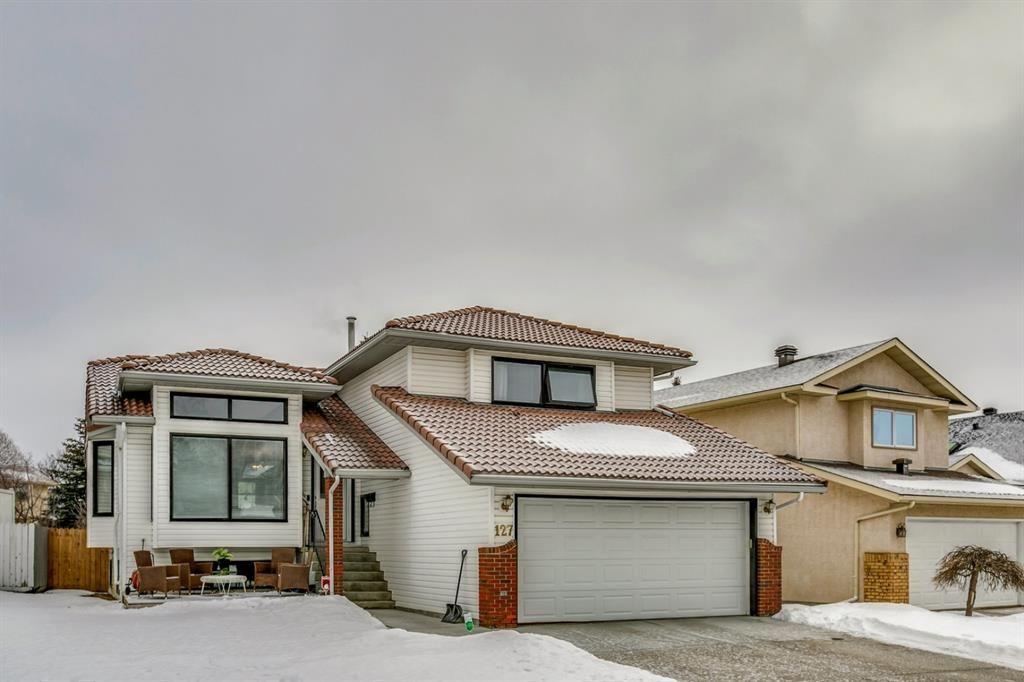 Main Photo: 127 Wood Valley Drive SW in Calgary: Woodbine Detached for sale : MLS®# A1062354