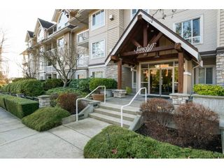 Photo 2: 204 1685 152A STREET in Surrey: King George Corridor Condo for sale (South Surrey White Rock)  : MLS®# R2228251