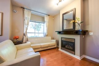 """Photo 4: 7398 HAWTHORNE Terrace in Burnaby: Highgate Townhouse for sale in """"MONTEREY"""" (Burnaby South)  : MLS®# R2071197"""