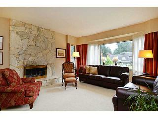 Photo 2: 3338 TENNYSON Crescent in North Vancouver: Lynn Valley House for sale : MLS®# V1114852