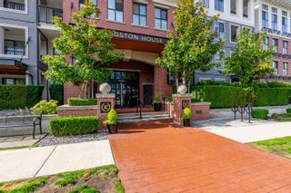 Photo 2: 303 3323 151 Street in Surrey: Morgan Creek Condo for sale (South Surrey White Rock)  : MLS®# R2622991