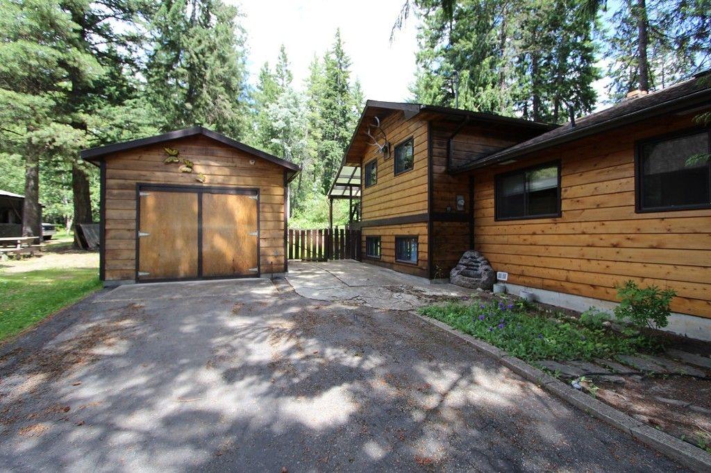 Main Photo: 5227 Tallington Drive in Celista: North Shuswap House for sale (Shuswap)  : MLS®# 10114293