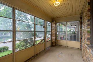 Photo 4: 58 Corbett Avenue in Toronto: Rockcliffe-Smythe House (2-Storey) for sale (Toronto W03)  : MLS®# W5313520
