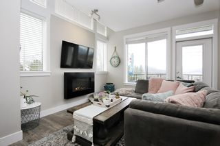 """Photo 2: 17 5797 PROMONTORY Road in Chilliwack: Promontory Townhouse for sale in """"Thornton Terrace"""" (Sardis)  : MLS®# R2537938"""