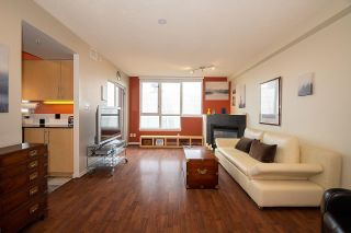 Photo 3: 802 63 KEEFER PLACE in Vancouver: Downtown VW Condo for sale (Vancouver West)  : MLS®# R2593495