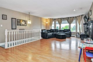 Photo 3: 5764 184 Street in Surrey: Cloverdale BC House for sale (Cloverdale)  : MLS®# R2467153