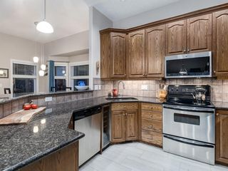 Photo 11: 30 DISCOVERY RIDGE Lane SW in Calgary: Discovery Ridge Semi Detached for sale : MLS®# A1038532