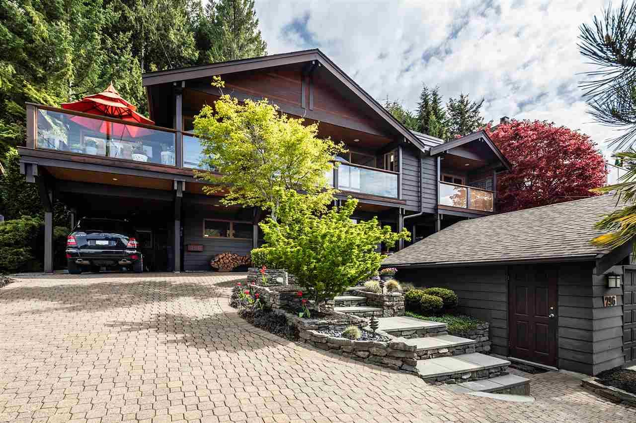 Main Photo: 296 NEWDALE Court in North Vancouver: Upper Delbrook House for sale : MLS®# R2383721