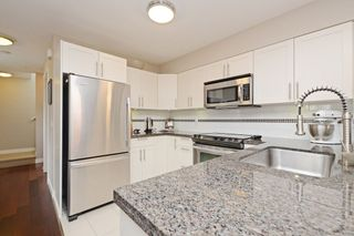 "Photo 5: 17 339 E 33RD Avenue in Vancouver: Main Townhouse for sale in ""Walk to Main"" (Vancouver East)  : MLS®# R2374151"