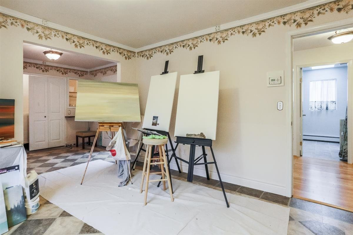 Photo 13: Photos: 14038 84 Avenue in Surrey: Bear Creek Green Timbers House for sale : MLS®# R2214208