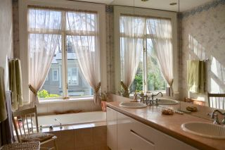 """Photo 15: 3439 OSLER Street in Vancouver: Shaughnessy Townhouse for sale in """"OSLER BY THE CRESCENT"""" (Vancouver West)  : MLS®# R2455781"""