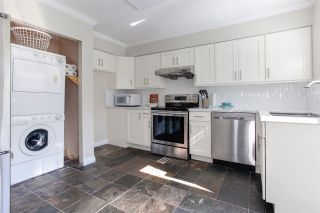 "Photo 3: 314 4885 53 Street in Delta: Hawthorne Condo for sale in ""GREEN GABLES"" (Ladner)  : MLS®# R2210649"