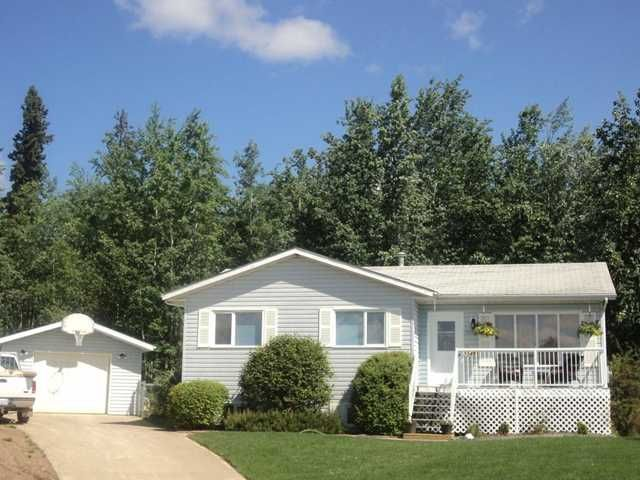 """Main Photo: 5548 MINNAKER Crescent in Fort Nelson: Fort Nelson -Town House for sale in """"MOUNTAINVIEW SUB"""" (Fort Nelson (Zone 64))  : MLS®# N210688"""
